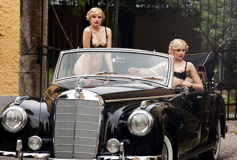 голые сестры-двойняшки Анна и Лиза Хейзе в журнале Playboy Германия, апрель 2021 / фото 02