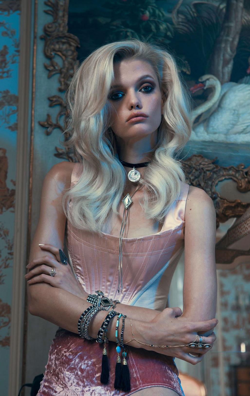 Дженнифер Пью в модной одежде бренда Vanessa Mooney / фото 07