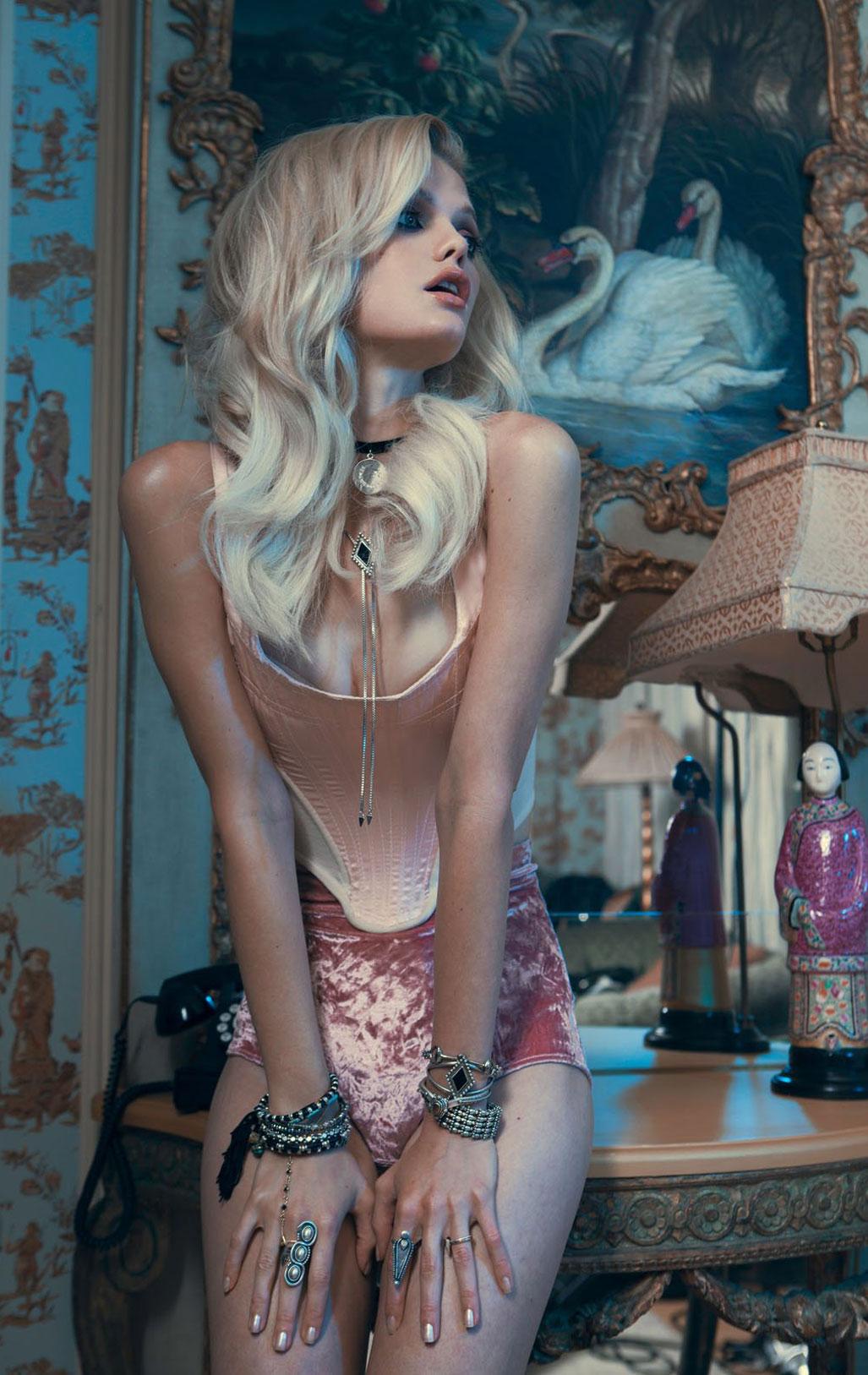 Дженнифер Пью в модной одежде бренда Vanessa Mooney / фото 08
