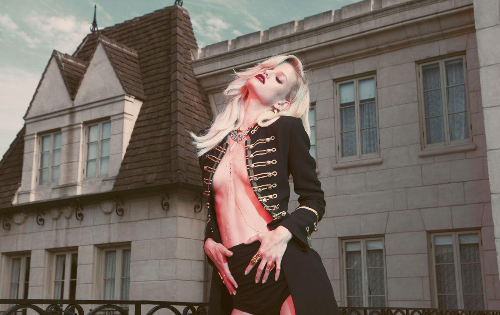 Дженнифер Пью в модной одежде бренда Vanessa Mooney / фото 10