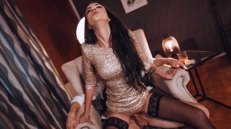 SexWorking.com/Deviante.com: Mia Trejsi - New Escort Has To Please Her Man [FullHD|1080p|670.76 Mb]