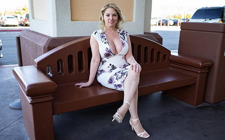 Kiki ~ Big ass and titties blonde MILF ~ MomPov ~ FullHD 1080p