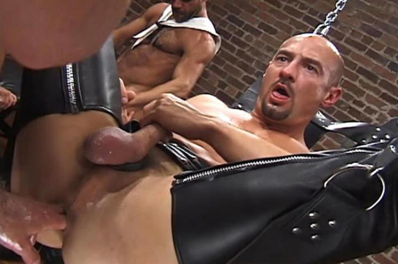 Up Your Alley 1, Scene #01 with Aaron Tanner, Jeff Allen, Matthew Green, Michael Soldier, Rik Jammer, Scott Samson 480p 290.78 Mb