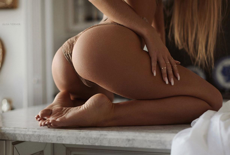 очаровательная Валерия в сексуальном нижнем белье Maison Close / фото 05