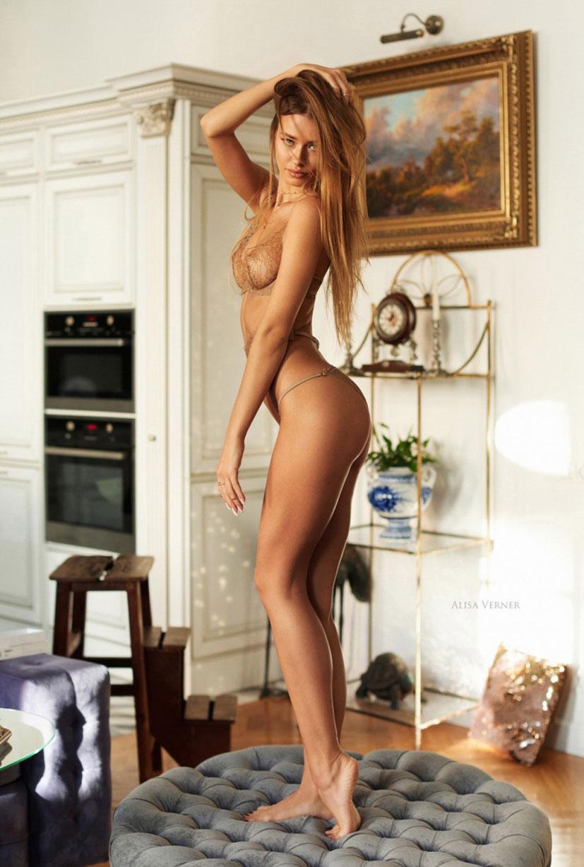 очаровательная Валерия в сексуальном нижнем белье Maison Close / фото 12