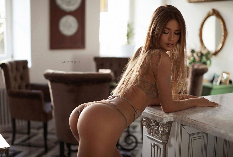 очаровательная Валерия в сексуальном нижнем белье Maison Close / фото 25