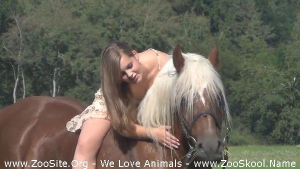 202081859 0267 fun beautiful sexy girl riding horse - Beautiful Sexy Girl Riding Horse