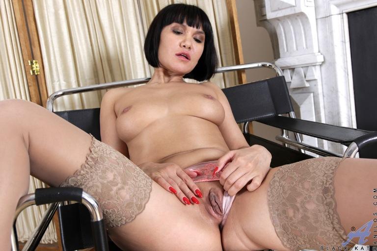 Black Kat ~ Horny Housewife ~ Anilos.com ~ FullHD 1080p