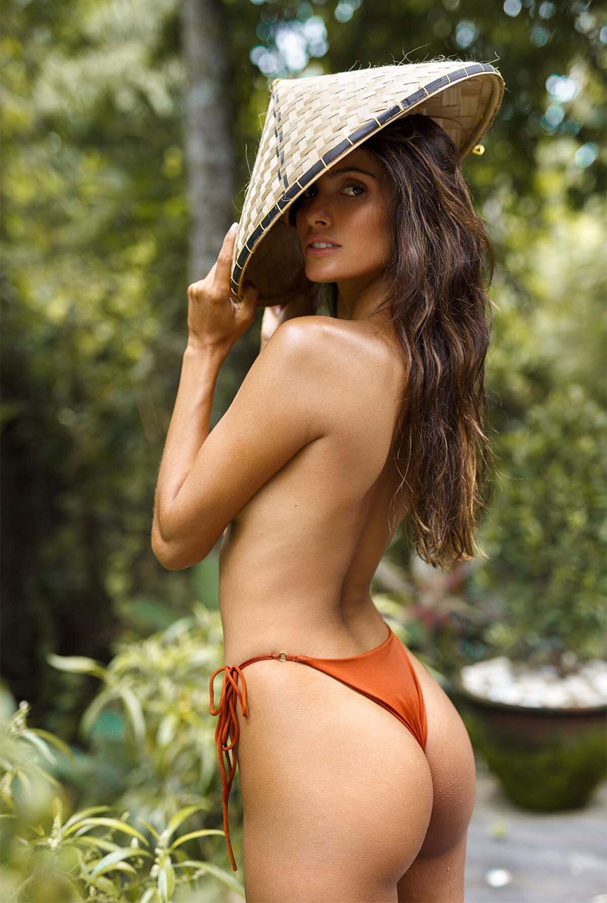Найара Лима отдыхает у бассейна на Бали / фото 13
