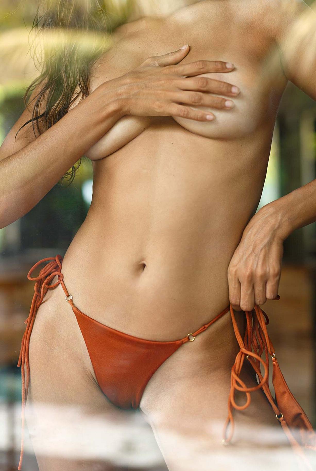 Найара Лима отдыхает у бассейна на Бали / фото 15