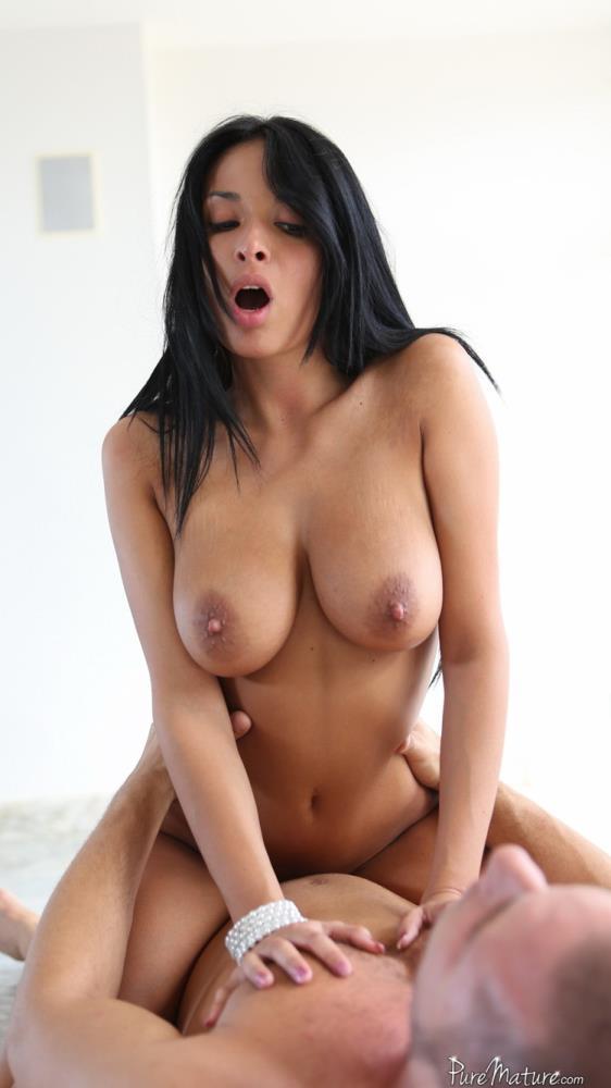 Anissa Kate - Flexible Body [PureMature] FullHD 1080p