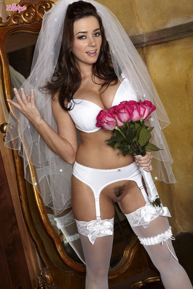 Taylor Vixen - The Bride [Twistys / HD 720p]
