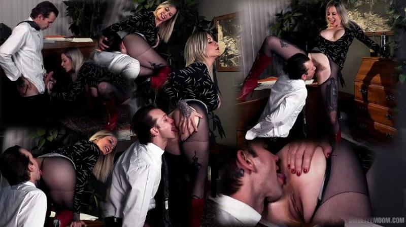 SweetFemdom.com: Madeline Marlowe, Will Havoc - Hot Secretary: Using Her Boss's Tongue [SD|480p|338.52 Mb]
