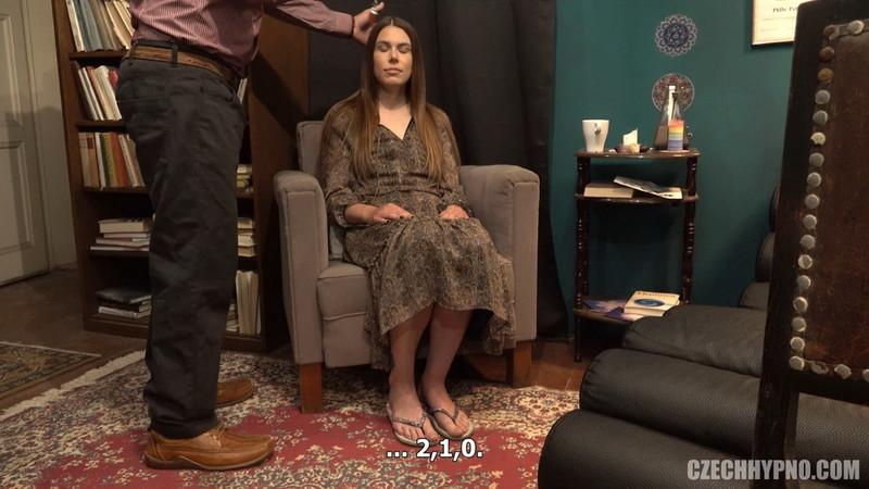 Jessica Bell - Kojici mamina Simona [CzechHypno/CzechAV] FullHD 1080p