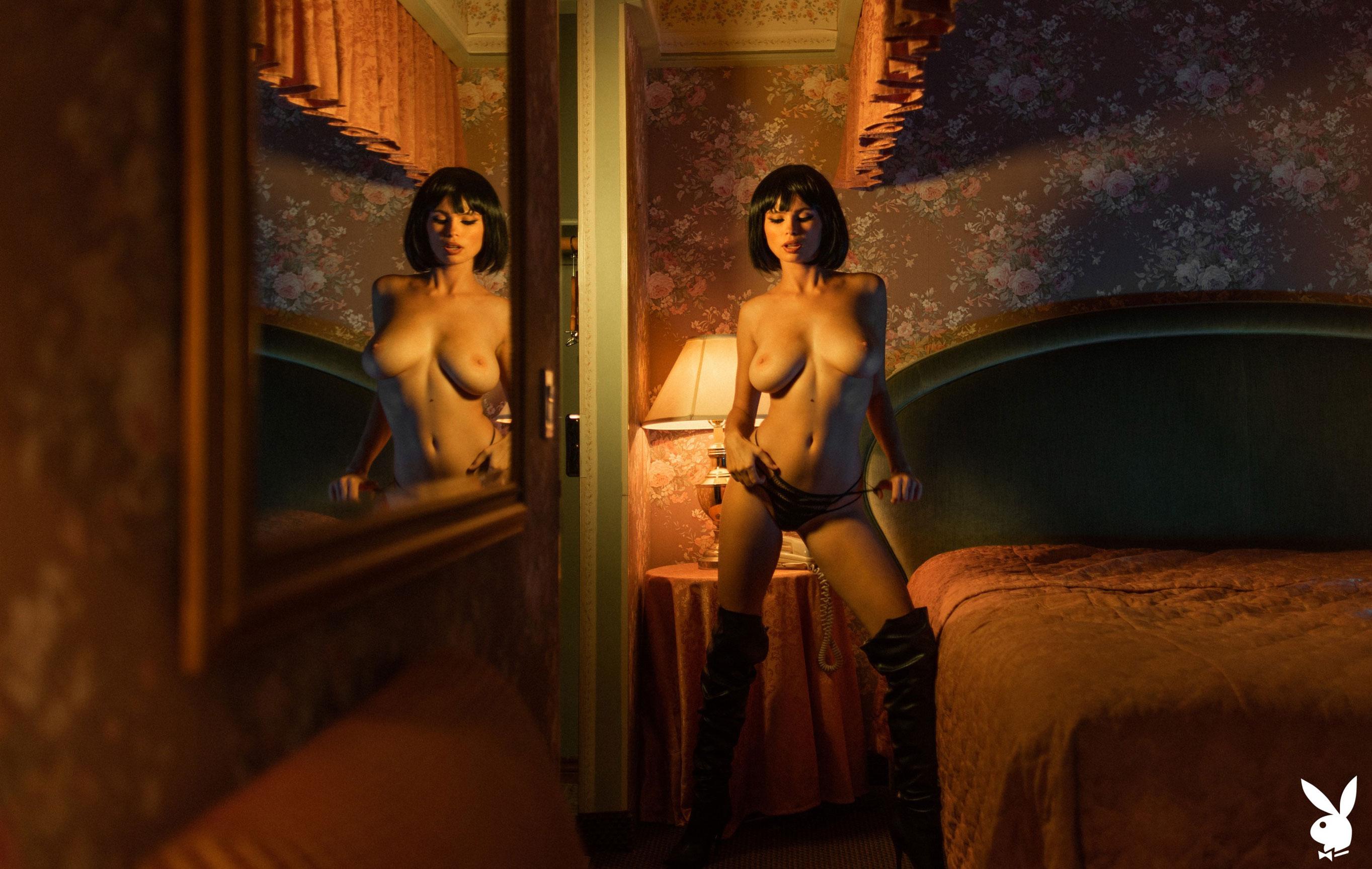 шпионская история / Юлия Логачева в гостиничном номере в Лос-Анджелесе / фото 07