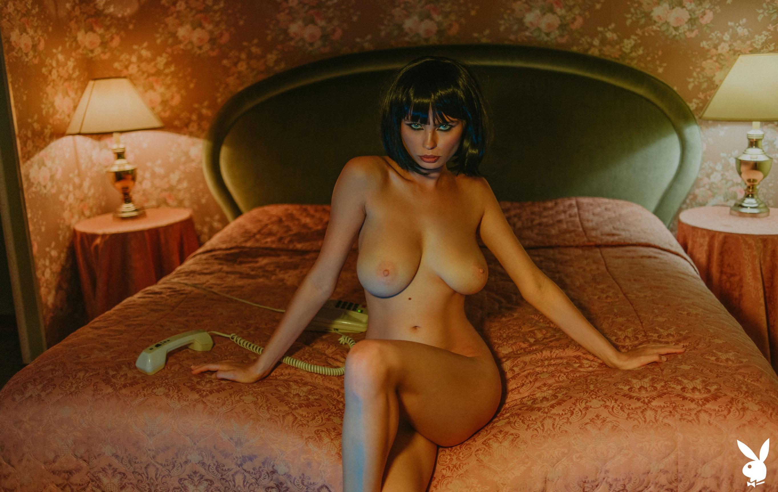 шпионская история / Юлия Логачева в гостиничном номере в Лос-Анджелесе / фото 13