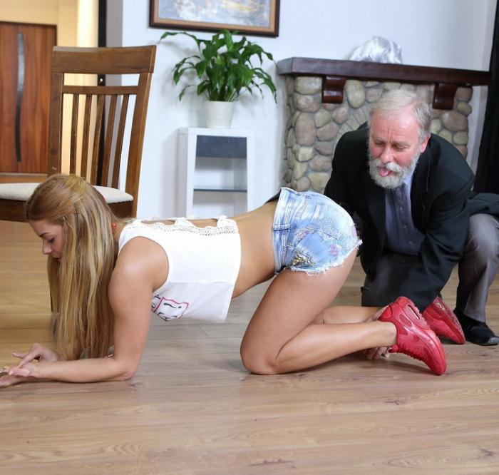 Chrissy Fox - Old man pays a hot delivery girl with sperm (FullHD 1080p) - Old-n-Young/TeenMegaWorld - [2021]