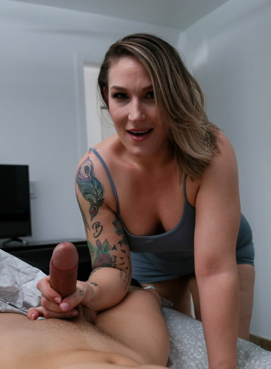 Charley Hart - You Need A Younger Man (HD 720p) - PervMom/TeamSkeet - [2021]
