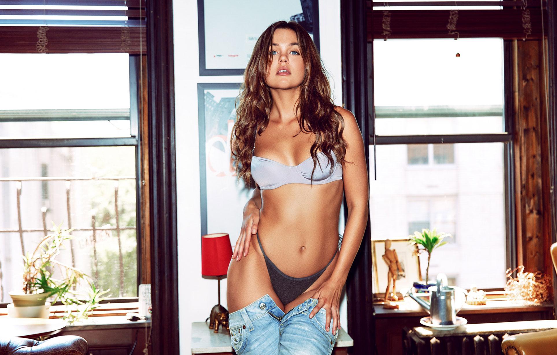 Лена Скай в нижнем белье в журнале Maxim Mexico / фото 01