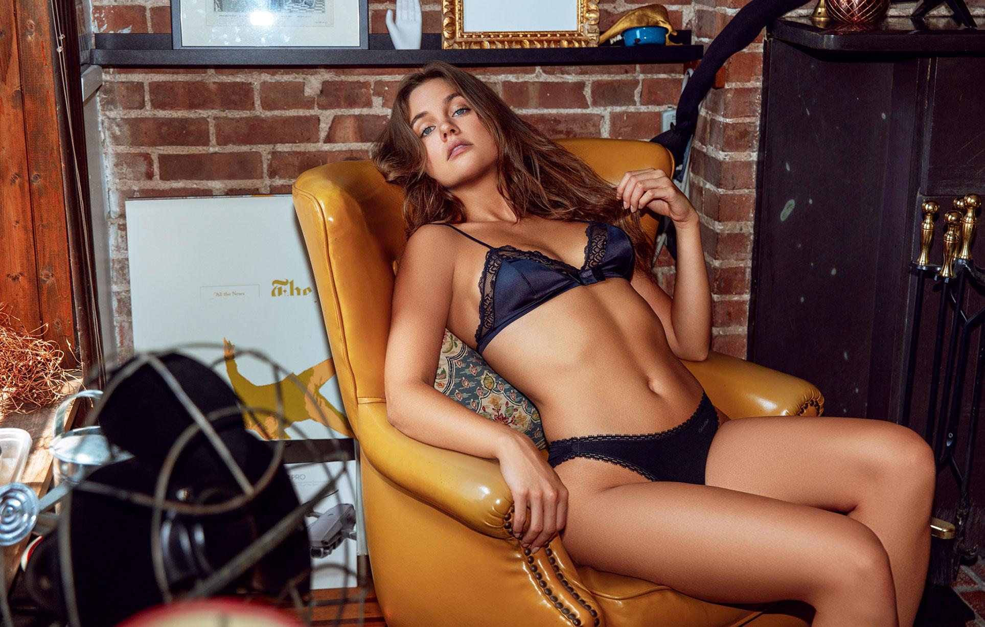 Лена Скай в нижнем белье в журнале Maxim Mexico / фото 03