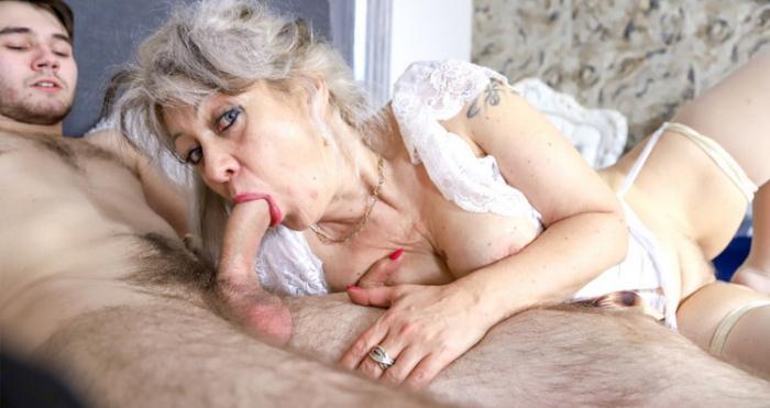 Veronique - Cheating classy granny (FullHD 1080p) - GrandMams/PassionXXX - [2021]