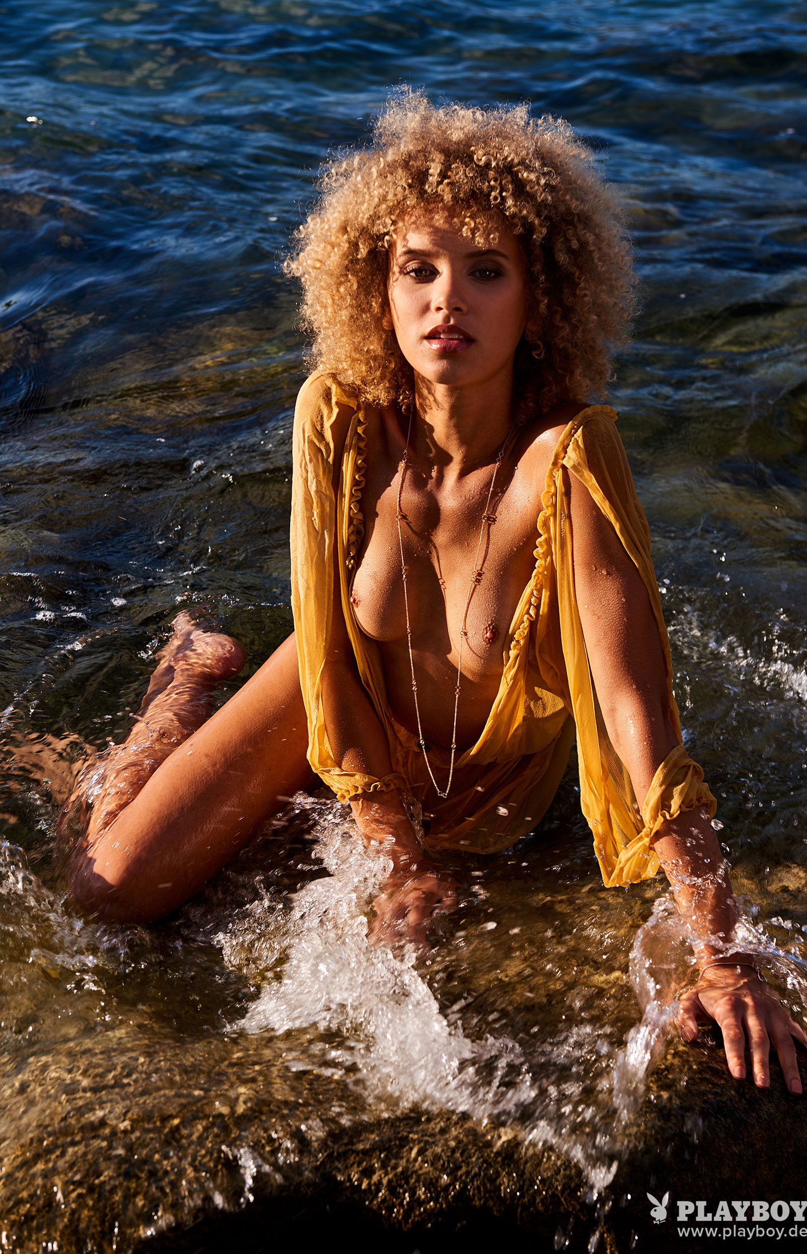 актриса Тайнара Вольф в журнале Playboy Германия, август 2018 / фото 08