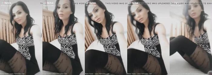 [Image: 198969157_0513_ttnn_tiktok_sexy_girl_tights_5.jpg]