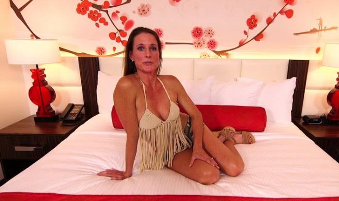 Sophie - MomPov was in her destiny (HD 720p) - MomPov - [2021]