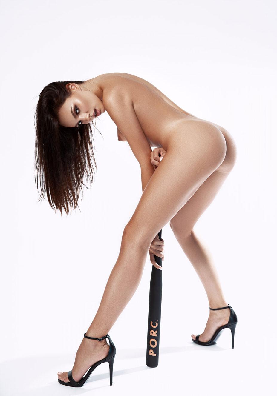 сексуальная Ана Томоану раздевается догола для занятий спортом / фото 04